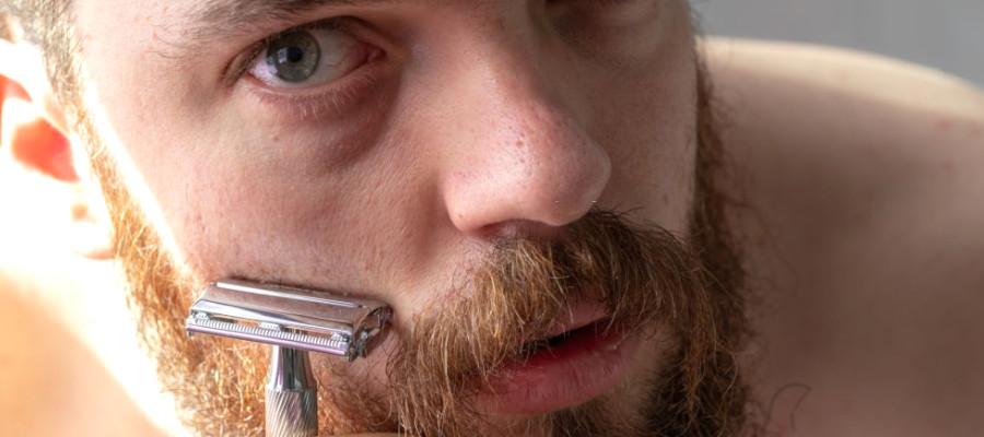 Usar maquinilla de afeitar clásica